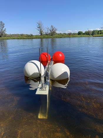 Floating the electrode rack in lake using buoys