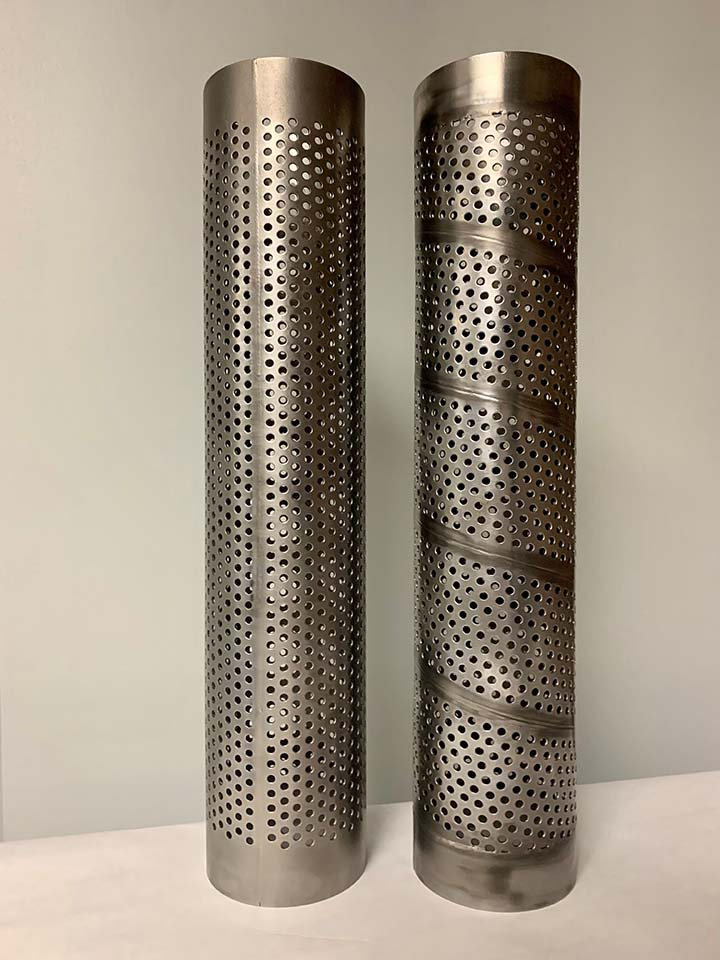 Spiral (right) vs. straight (left) filter cores