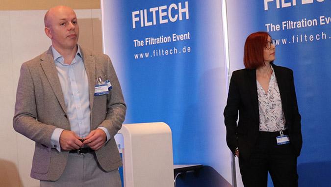 Bryan Allbut of Porvair and Bekaert's Aurelie Goux outlining the benefits of the new metal fiber composite, Sinterflo FMC